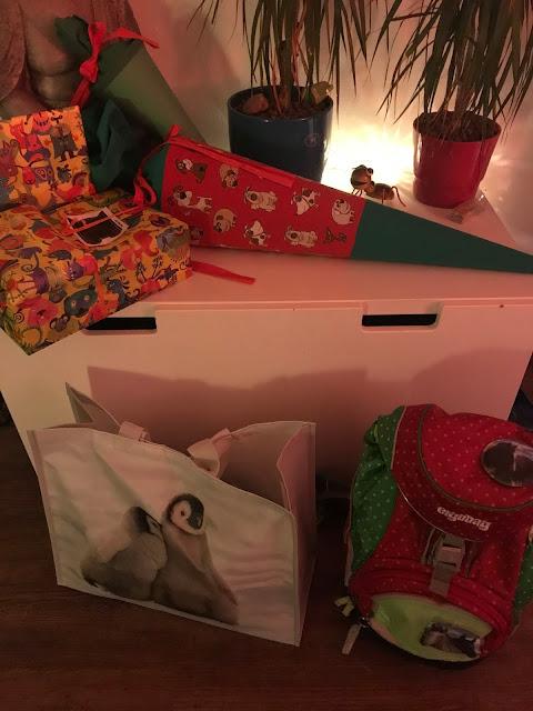 Einschulung - Geschenke und Schultüten