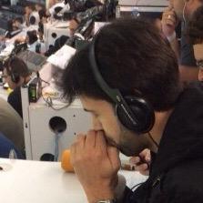 Entrevista com o Raphael Prates: O comentarista revela a diferença do rádio e TV
