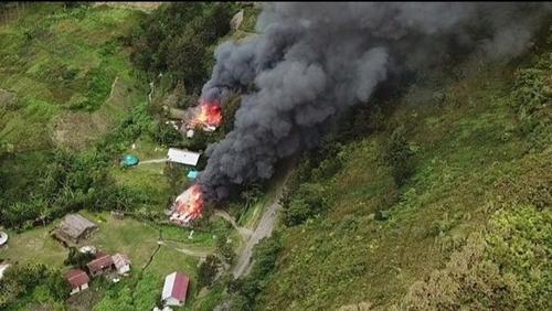 TNI-Polri Kembali Kontak Tembak dengan KKB di Ilaga Papua, Warga Pun...
