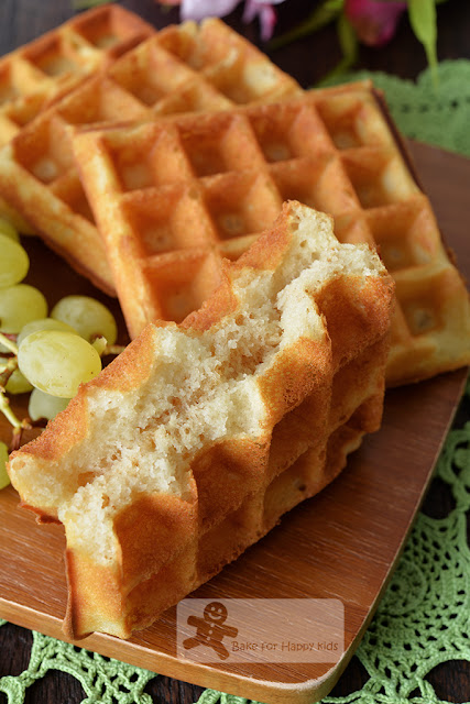 easy buttermilk waffles