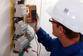 Electricistas: reparaciones urgentes 24 horas