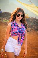 Samantha Hot in Sikinder Movie HeyAndhra