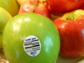 Arti Kode pada Stiker Kecil Buah Buahan Impor