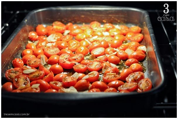 receita de tomate ao forno com alho e azeite