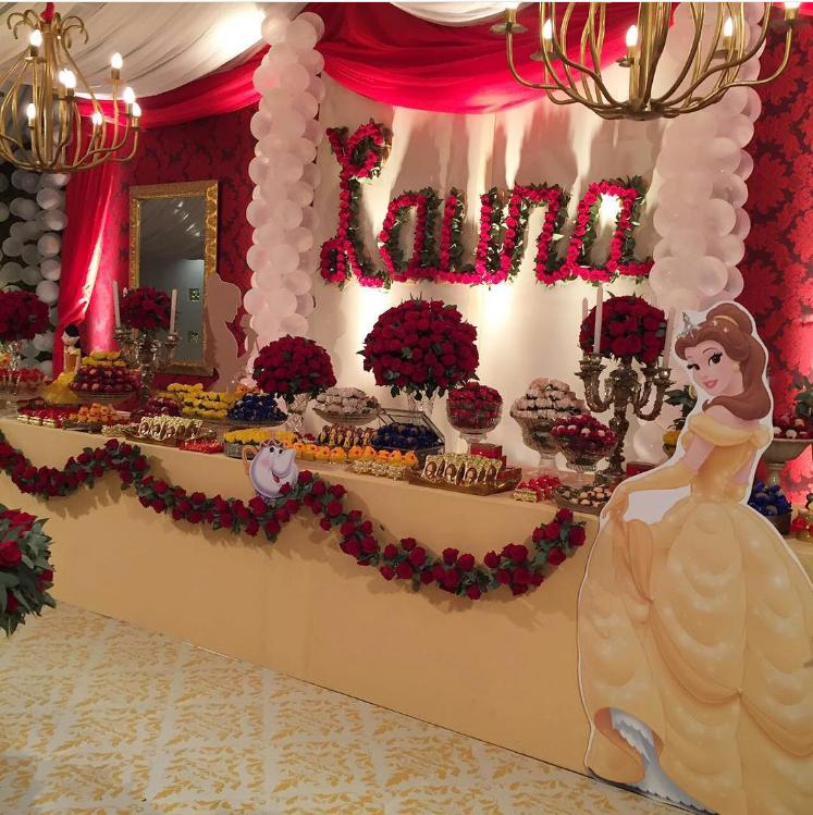101 fiestas lindas decoraciones para una fiesta de la for Decoracion de pared para quinceanera