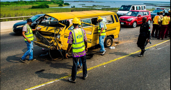 photos accident scene third mainland bridge lagos