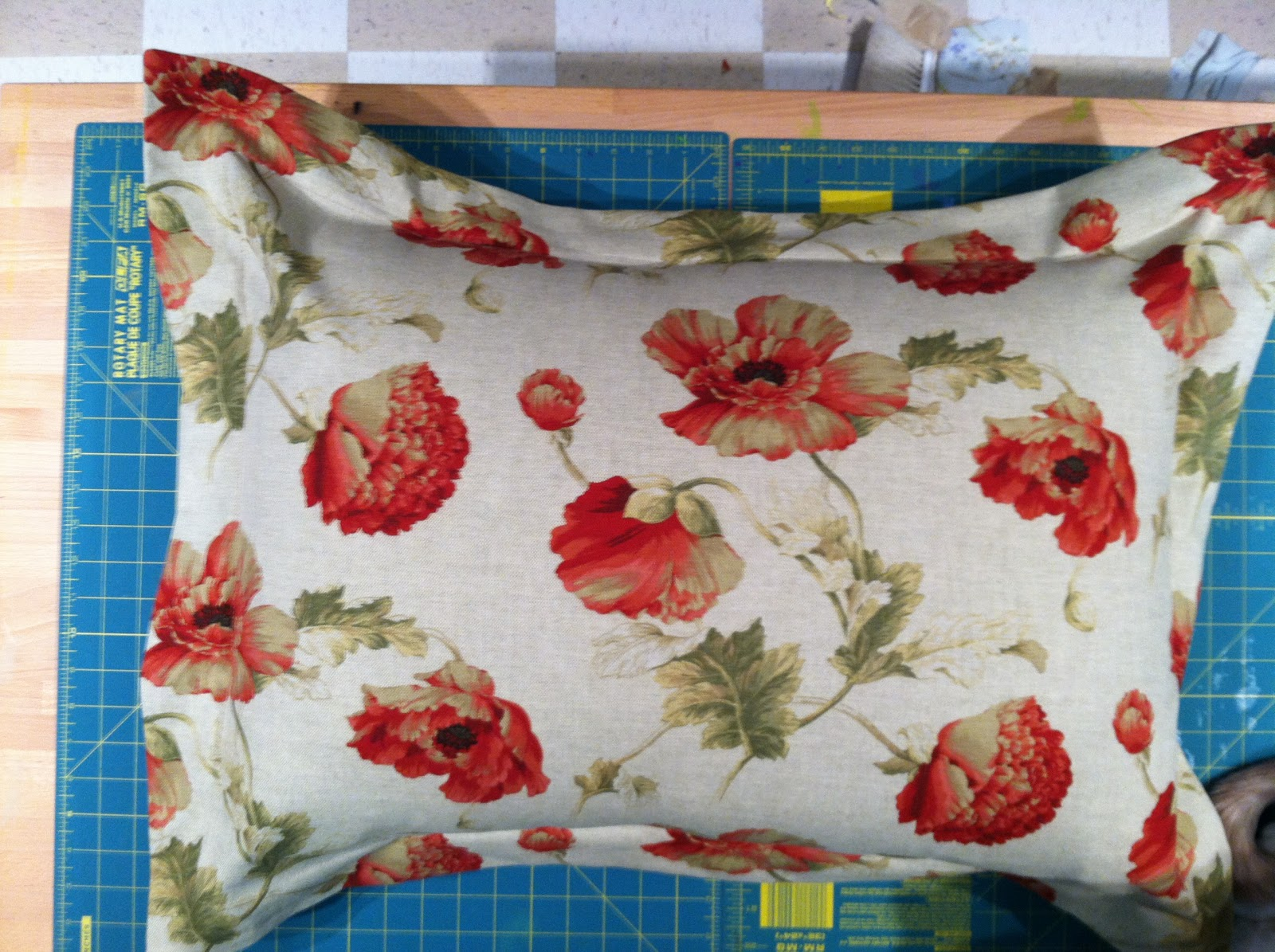 oh sew thrifty super quick pillow sham tutorial. Black Bedroom Furniture Sets. Home Design Ideas