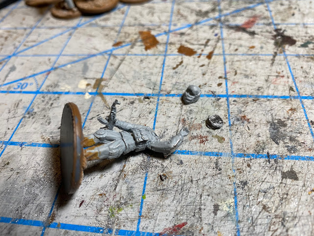 Empress Minatures modern figures are 32mm (1/48) rather than the stated 28mm (1/56)
