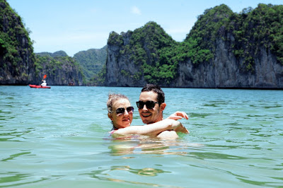 Swimming Safe guides when traveling Halong Bay