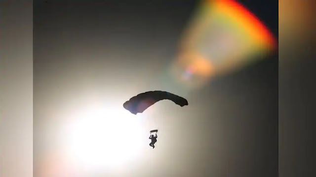 IAF achieves new record of highest skydive landing at Khardungla Pass in Leh