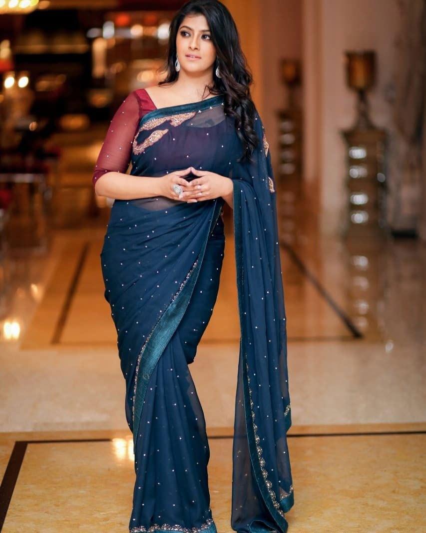 Actress Varalaxmi Hot Photos in Saree HD Stills
