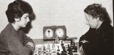 Partida de ajedrez Marisa Puget - Julia Maldonado en 1961