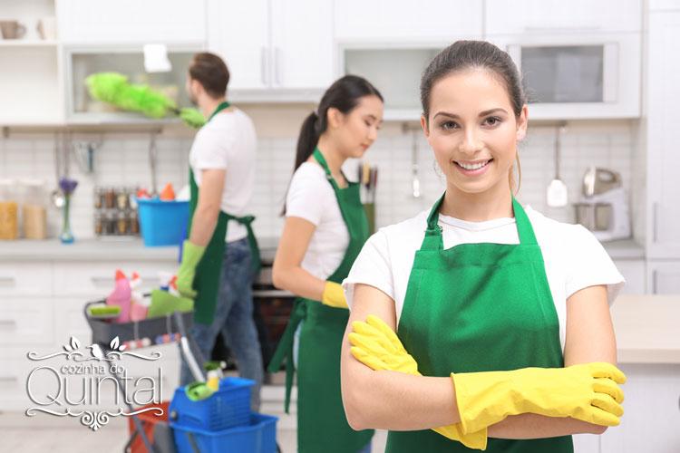 Em um negócio familiar, caseiro, de alimentação, todo mundo tem que ajudar! Limpeza e higiene alimentar são importantes!