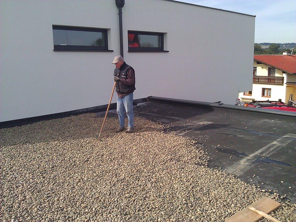 hausbau tina und manuel dach bekiesen und einfahrt planieren. Black Bedroom Furniture Sets. Home Design Ideas