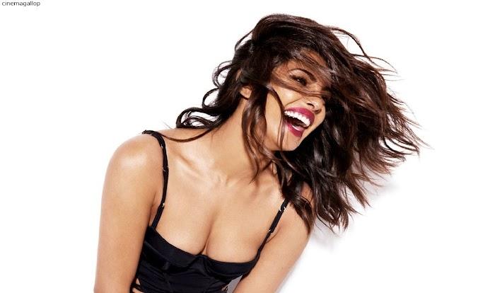 Priyanka Chopra Sexy Photoshoot-seducing Cleavageshow in HD