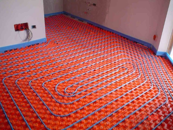 riscaldamento radiante a pavimento-serpentina