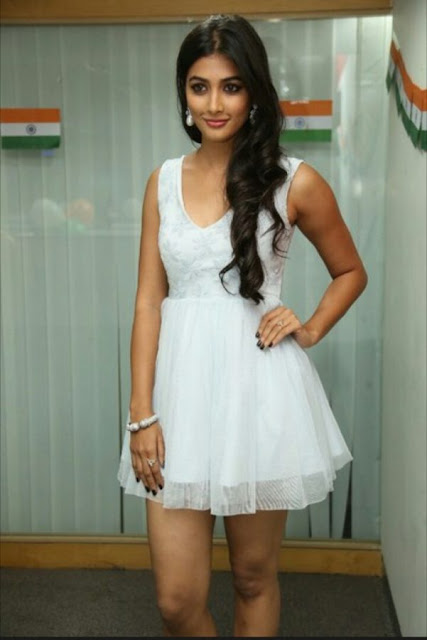 Best Pooja Hegde Wallpapers