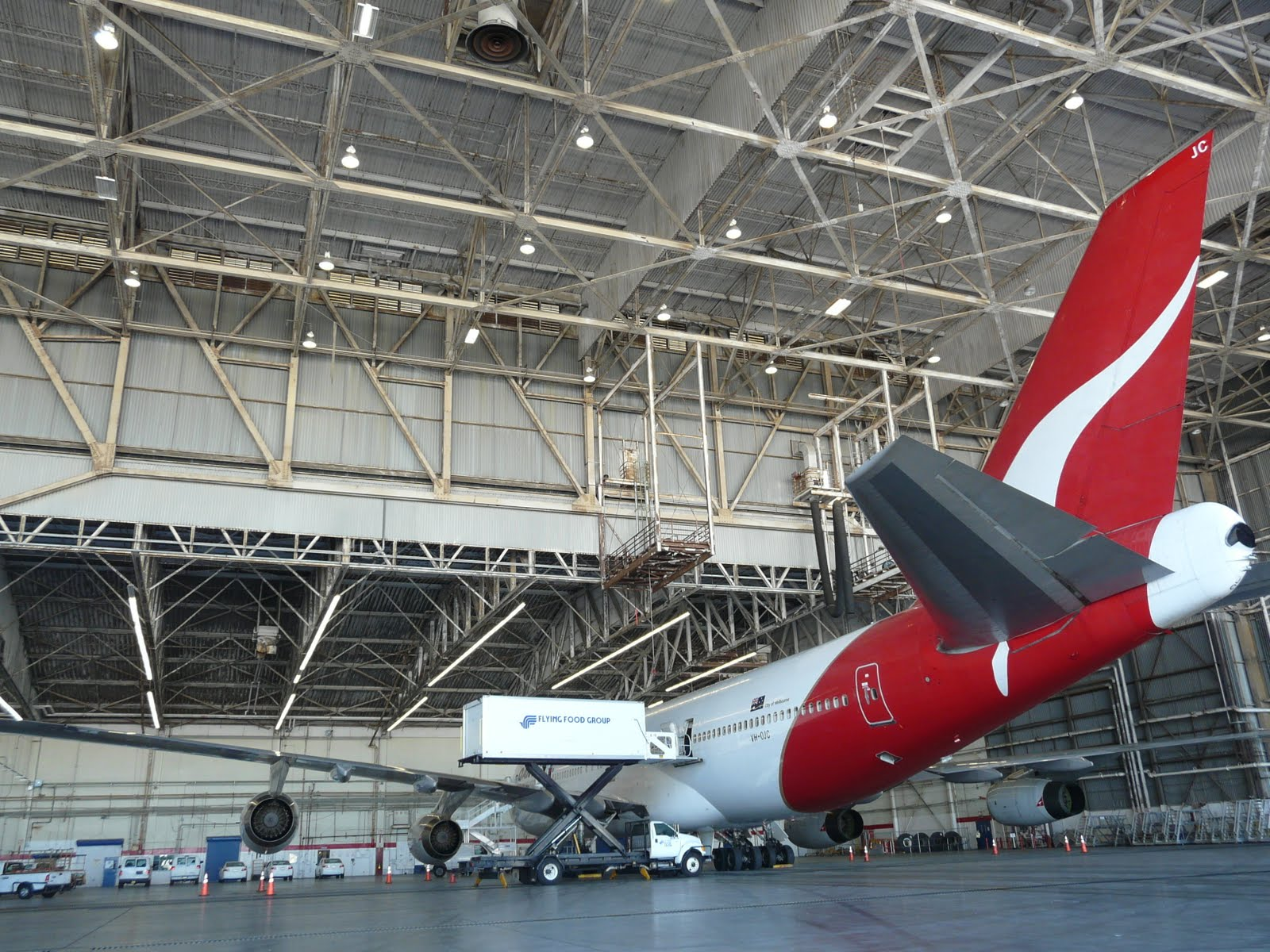 Another Southern California Aviation Landmark To Disappear Soon - The TWA  Hanger At LAX.