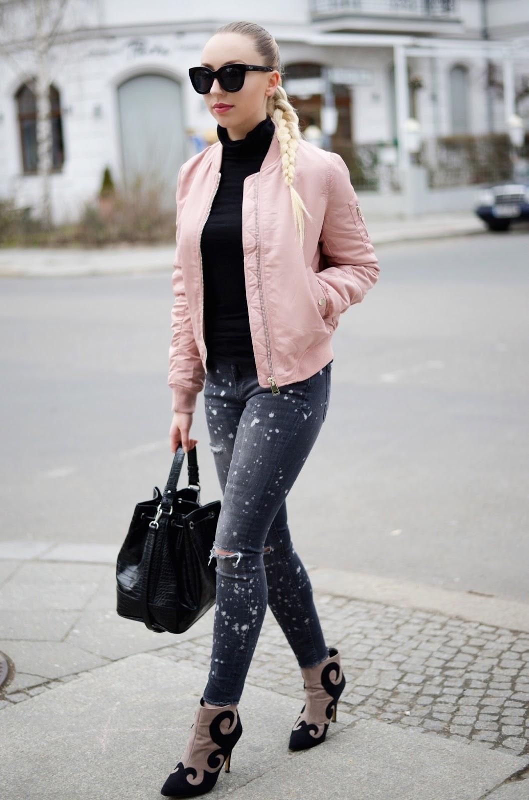 Pink Bomber Jacket Streetstyle