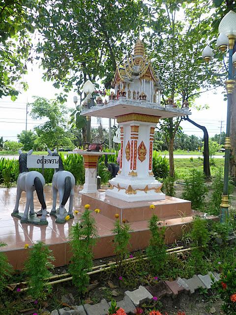 Таиланд, домик духов (Thailand, the house of the spirit)
