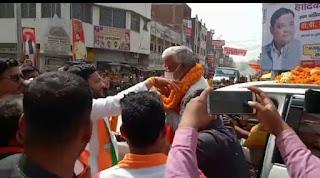 भाजपा प्रदेश अध्यक्ष स्वतंत्रदेव सिंह का सूरापुर में संजय मौर्य ने किया स्वागत