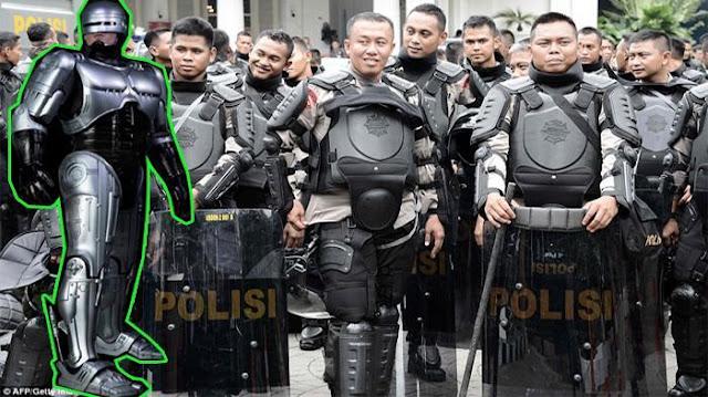 Media Asing Sebut Polisi Indonesia Mirip Robocop , Bagaimana Menurut anda ?