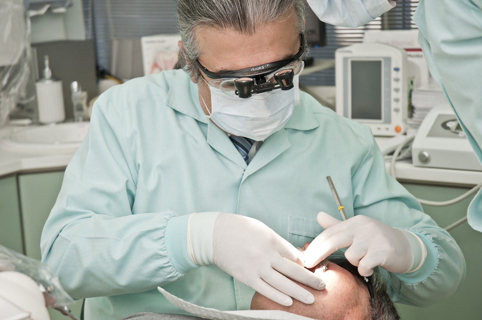 Will a Past Root Canal Procedure Affect Dental Implants in Any Way
