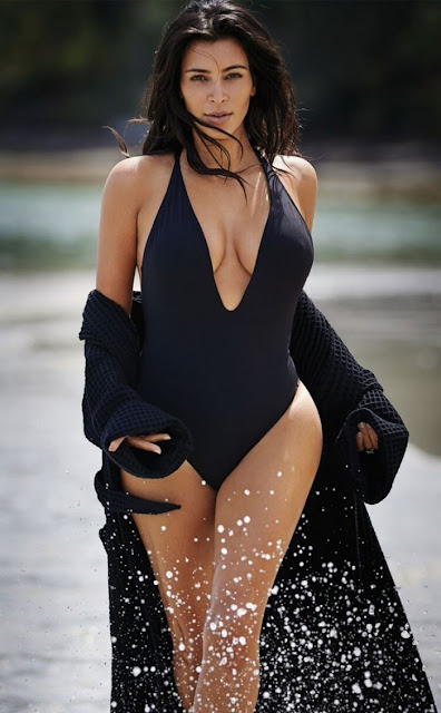 Hot girls Kim Kardashian & Selena Gomez sexiest 2016