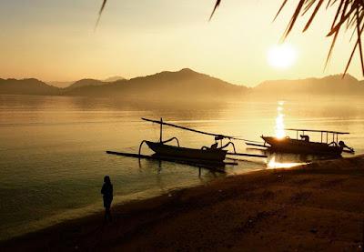 foto sunrise di pantai sekotong lombok