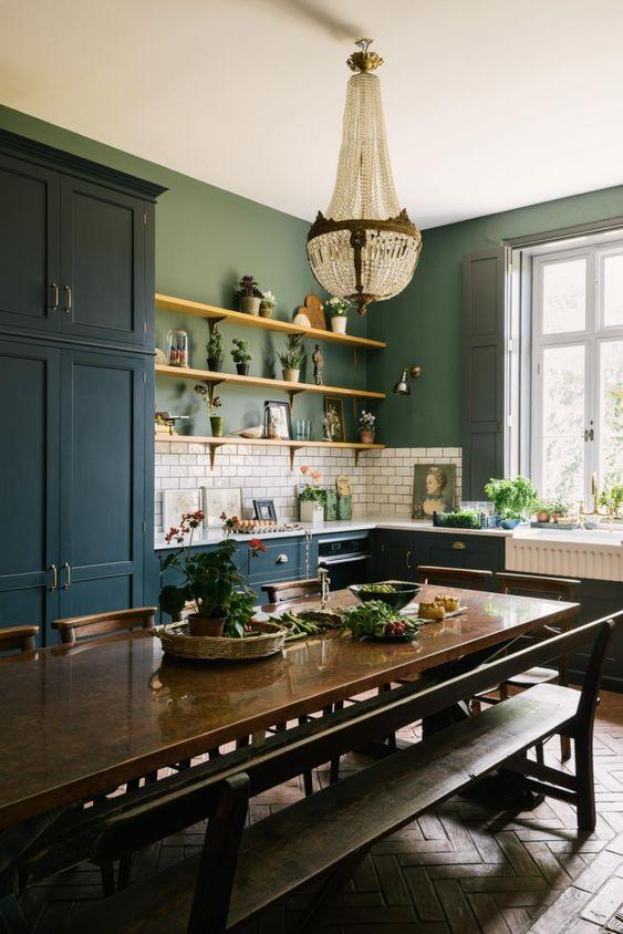 Eye For Design How To Create A Trendy Dark Green Kitchen