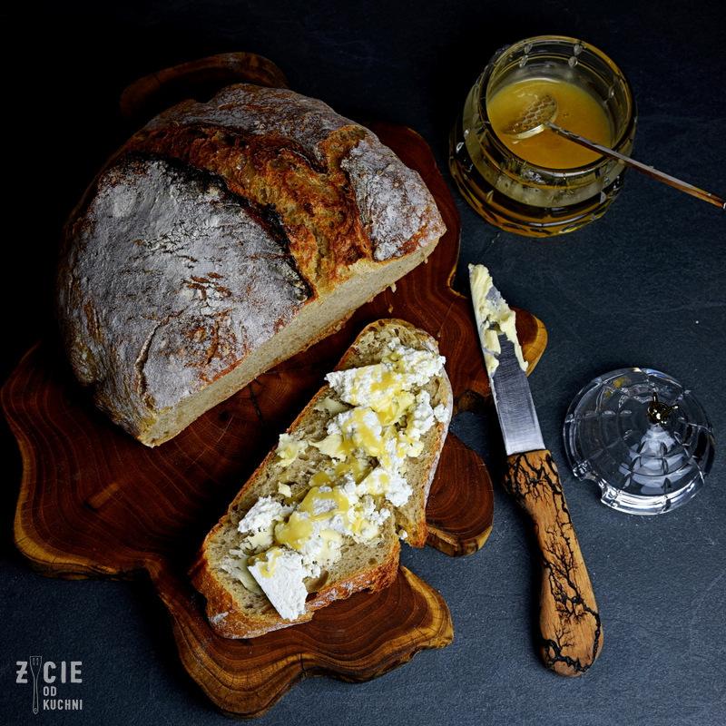 chleb pszenny, pszenny chleb, zakwas pszenny, chleb na zakwasie, domowy chleb, najlepszy chleb, jak upiec chleb