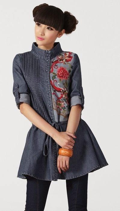 vestido con aplique de tela