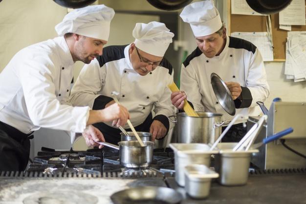 SE NECESITA : Personal de Cocina para local Gastronómico- Con o sin experiencia