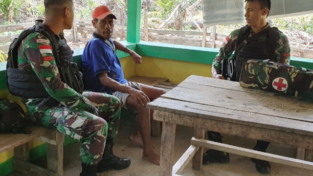 Satgas Raider 300 Melaksanakan Anjangsana Ke Kampung Binaan