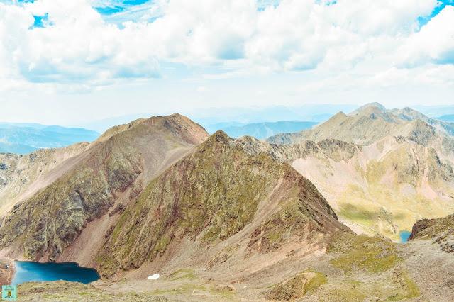 Vistas desde el pico Comapedrosa en Andorra