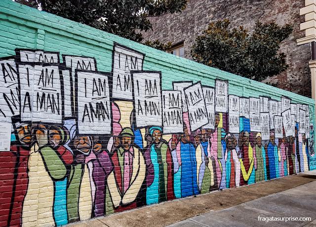 Grafite em Main Street, Memphis, lembra o movimento pelos Direitos Civis nos EUA