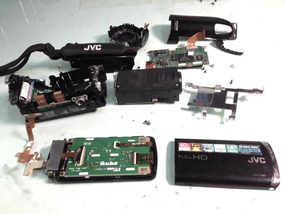 [傑偉世] JVC GZ-E200 DV開機 沒畫面 螢幕變暗 但拍照 錄影 影像正常   金欣相機鏡頭修理二站
