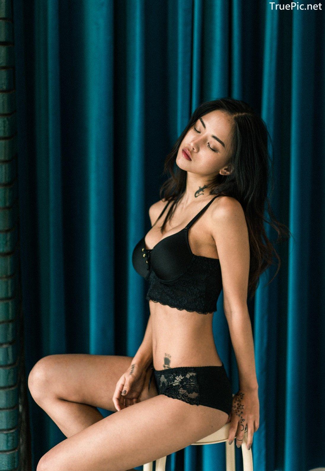 Image-Korean-Fashion-Model–Baek-Ye-Jin–Sexy-Lingerie-Collection-2-TruePic.net- Picture-2