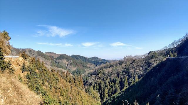 藤野駅から裏和田峠を越えて入山峠を往復。今熊山と金剛の滝に寄って拝島まで走るサイクリングコース