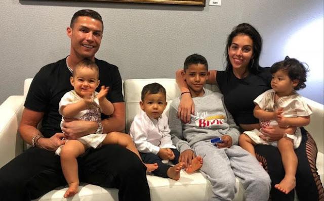 Ronaldo vẫn kiếm bộn tiền nhờ thân hình 6 múi, bất chấp Covid-19 2