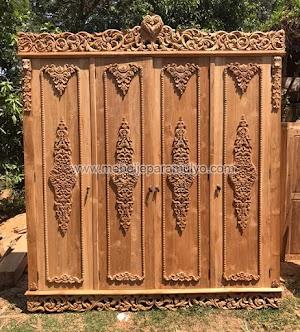 Lemari Pakaian Pintu 4 Ukiran Klasik