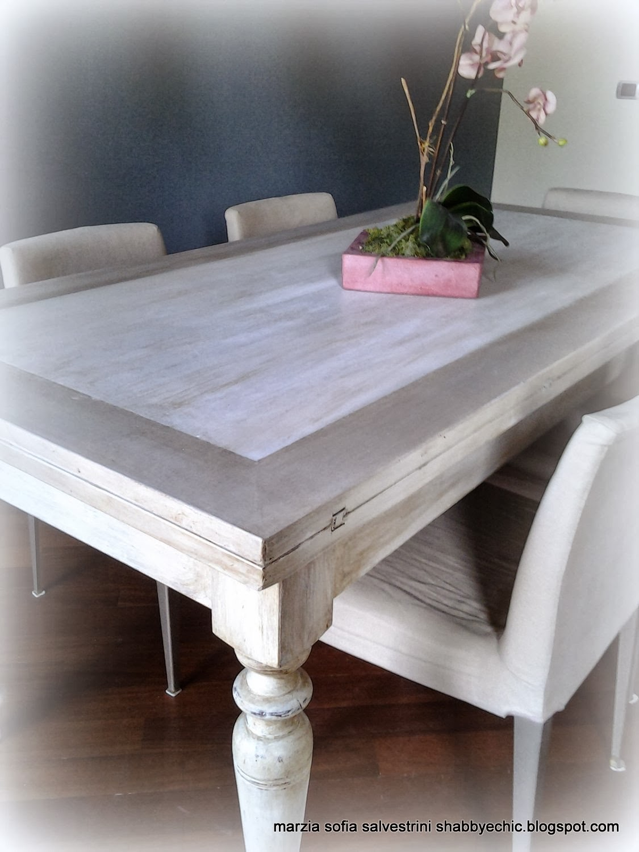 Marzia sofia salvestrini un tavolo in legno si trasforma - Baule come tavolino ...