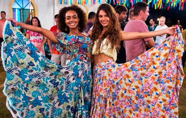 Rita/ Ritinha (Isis Valverde) saia dança