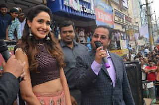 pragya jaiswal bnew mobile store launch 01