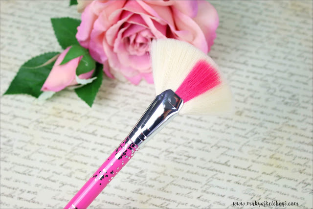 Flormar Urban Sound Koleksiyonu Fan Brush