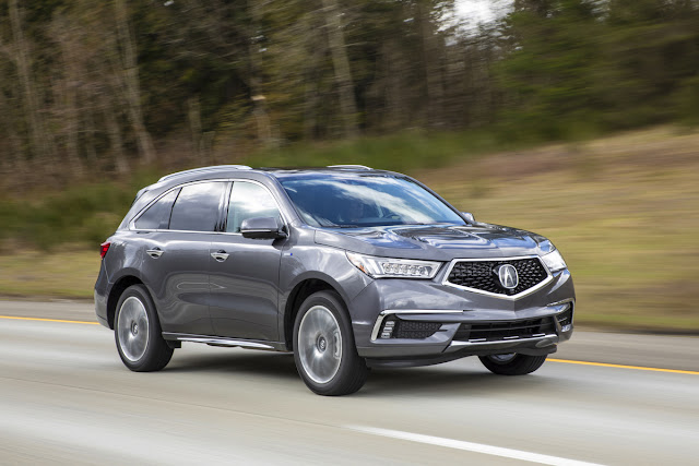 Front 3/4 view of 2017 Acura MDX Sport Hybrid AWD Advance