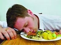 Inilah 4 Bahaya Tidur Setelah Makan Sahur