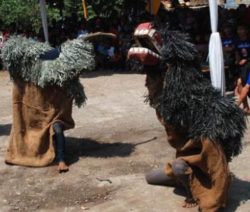 Wisata Budaya : Ekspresi Seni Reak , Dibalik Nilai dan Filosofi