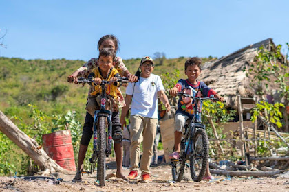 HBK Peduli , Sa*if Dan Rizal  Dapat Bantuan Sepeda Di Momentum HAN