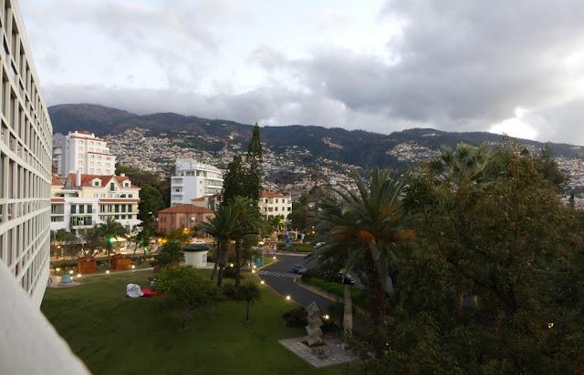 Blick vom Hotel Pestana Casino Park auf Funchal